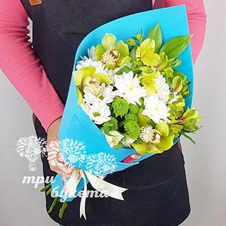 Букет учителю из хризантем и орхидей